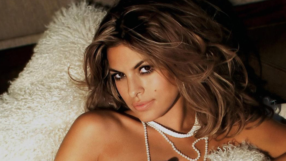 how to look like eva mendes